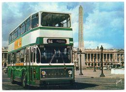 PARIS  8ème -- La Place De La Concorde Et L'un Des Autobus à Impériale (autocar  BERLIET ) --Beau Plan - Arrondissement: 08