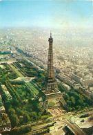 France & Circulated, Vue Aerienne Sur La Tour Eiffel Et Du Champ De Mars, Paris, Lisboa 1974 (556) - Monuments