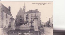 CPA - 3. Ste Catherine De Fierbois - La Place - Autres Communes