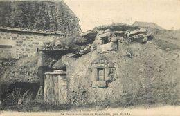 D1085 La Maison Sous Terre De Bredons Pres Murat - Murat