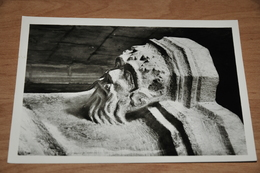 781- Wezeren, Sint Amanduskerk, Doopvont........... - België