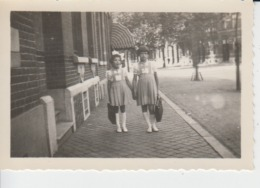 Little Girl Going To The School, Sisters, Echte Photo 90/60 Mm - Szenen & Landschaften