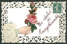27 - Eure - Un Salut De Bourgtheroulde Carte Dentelles Main Fleurs Paillettes 1908 - Bourgtheroulde