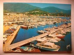 Carte Postale Cavalaire Sur Mer (83) Le Nouveau Port   ( Couleur Oblitérée 1988 Timbre 2.20 Francs  ) - Cavalaire-sur-Mer