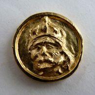 FEVE METAL DORE PERSO BIDAULT (95) Rois De France Charlemagne - Fèves