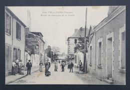 CPA Carte Postale CHALLANS - Ecole De Garçons Et La Poste - Challans