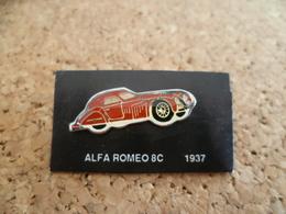 Pin's ** Automobile Alfa Romeo 8 C - 1937 ** Voiture, Auto - Alfa Romeo