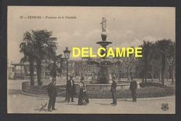 DF / 34 HERAULT / BÉZIERS / FONTAINE DE LA CITADELLE / ANIMÉE / A GAUCHE MONSIEUR DESPLATS - Beziers