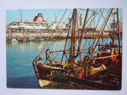 De Belgische Kust Visserssloepen In De Haven Van Oostende Chalutiers Dans Le Port D'Ostende Gelopen 1973 Edit J.V.d.B. - Oostende