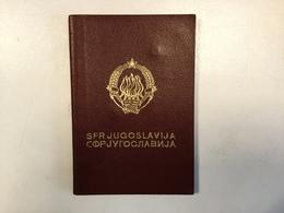 PASSPORT   REISEPASS  PASSAPORTO   YUGOSLAVIA  1975. Visa To: AUSTRALIA , HUNGARY , UK ............. - Historische Dokumente