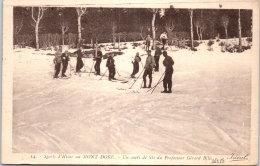 63 LE MONT DORE - G Bille Donnant Une Leçon De Ski - Le Mont Dore