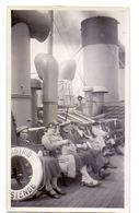 Foto  Photo - Passagiersschip Veerboot Koningin Astrid - Oostende - Dover Passagiers Op Dek - 1934 - Schiffe