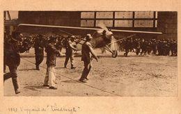 L'appareil De Lindbergh   -  Photo Collee Sur Carton Format Carte Postale - Peut Etre Au Bourget - 1919-1938: Between Wars