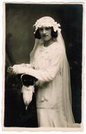 """Dame In Trouwkleed, Lady In Wedding Dress, Photocard, Fotokaart,  Reliefstempel """"Maelstaf Furnes"""", Veurne (pk41724) - Noces"""