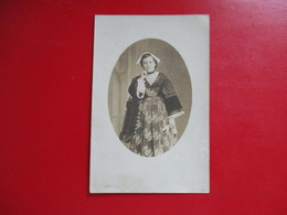 PHOTO ANCIENNE JEUNE FEMME COSTUME BRETON  COIFFE DE VANNES 56 - Personnes Anonymes