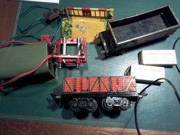 LOT WAGONS TRANSFO PASSAGE HORNBY NIVEAU BUTOIR TRAIN J De P EN TOLE Ech: 0 N° 4685 - Goods Waggons (wagons)