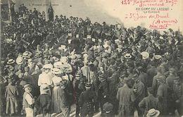 C-18-553 :  AU CAMP DU LARZAC. LE CONCERT DE LA MUSIQUE MILITAIRE - France