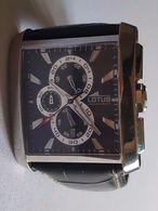 Superbe Montre Chronographe Lotus - Dateur - Bracelet Cuir - 5 ATM Water Resist - Montres Haut De Gamme