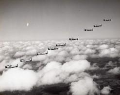 Avions De Chasse US Army Escadrille En Vol Ancienne Photo 1940's ? - Aviation