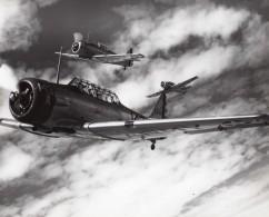 Avions Militaires De Chasse US Army Escadrille En Vol Ancienne Photo 1940's ? - Aviation