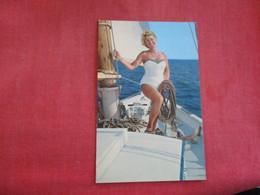 > Pin-Ups  -- Ahoy -ref 2831 - Pin-Ups