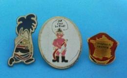 3 PIN'S  //   ** POMPIERS DE FRANCE ** J.S.P. C'EST LE PIED ! ** - Bomberos