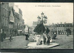 CPA - GUINGAMP - Place Du Centre, Bien Animé - Guingamp