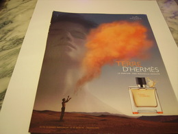 PUBLICITE AFFICHE PARFUM TERRE DE HERMES 2011 - Fragrances