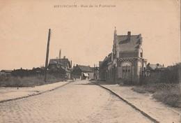 CPA 62 MEURCHIN RUE DE LA FONTAINE VOIR ETAT - France