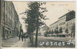 Tilsit V.1944  Adolf Hitler Platz Und Das Grenzland Theater  (13311) - Ostpreussen