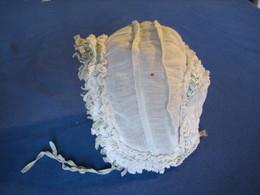 71 - Petit Bonnet De Bébé Ancien - 1900-1940