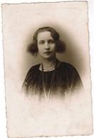 Portret Jonge Dame, Portrait, Fotokaart, Carte Photo, Pille - Maes, Rue De Lille, Menin, Menen (pk41761) - Illustrateurs & Photographes