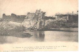 (08) Ardennes - CPA - Vilette - Débris Du Pont Du Chemin De Fer  Sur La Meuse - Sedan