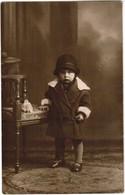 Portret Kindje, Portrait, Fotokaart, Carte Photo,J Couvreur, Menin, Menen (pk41764) - Illustrateurs & Photographes