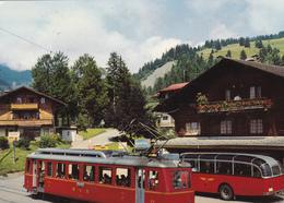 SUISSE. BARBOLEUSAZ S/ GRYON. CPA. RENCONTRE BUS ET TRAIN. ANNÉE 1980 - VS Valais