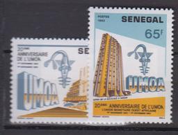 Sénégal     1983       N.       595 / 596                    COTE    1 , 45        EUROS      ( S 827 ) - Senegal (1960-...)