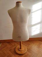 Buste De Mannequin De La Marque Vendome Pour Uniforme 14-18 Ou 39-45 Ou Autres - Uniformes