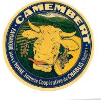 P 981 / ETIQUETTE DE FROMAGE - CAMEMBERT   LE CHABLISIEN  LAITERIE COOPERATIVE DE CHABLIS (YONNE) - Cheese