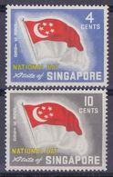 SINGAPORZ :1960: Y.49-50 Dentelled/avec Légère Trace De Charnière/lightly Hinged : ## National Holiday ## : FLAG,DRAPEAU - Singapour (1959-...)