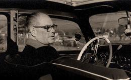 Photo Originale Grand-Père Au Volant De Sa Mercedes-Benz - Planche De Bord & Rétroviseurs Vers 1950/60 - Coches