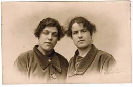 Portret Jonge Dames, Young Ladys, Portrait, Fotokaart, Carte Photo, Photo Vlieghe Wevelgem (pk41773) - Autres Photographes