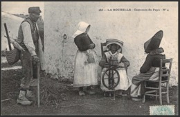 LA ROCHELLE - Costumes Du Pays - N°4 - Etat SUPERBE/NEUF (6051) - La Rochelle