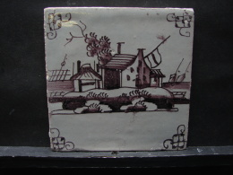 AF. Lot. 684. Ancien Carreau De Faïence En Deflt  Représentant Une Maison Et Le Bord De Mer - Delft (NLD)
