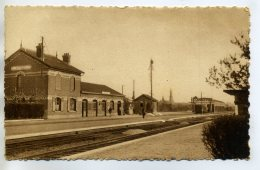 80 MOREUIL Edit Tirard-Interieur Gare Des Voyageurs Quais Et Voies Chemin De Fer  /DO2-2018 - Moreuil