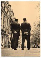 Photographe  Albert MONIER  -- En Exercice  (gendarmes Pris De Dos Sur Les Champs Elysées à Paris) - Monier