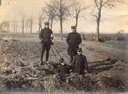 PHOTO FRANÇAISE - BATTERIES CAMOUFLÉES SUR LA ROUTE DE MONDICOURT A ARRAS - NOVEMBRE 1914 - GUERRE 1914 1918 - 1914-18
