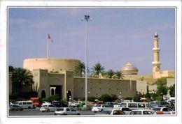 Oman - Nizwa Fort Autos - Oman