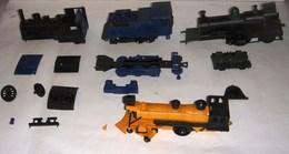 Nestlé Lot Trains Miniatures Plastiques (année 70) Pour Pièces - Other Collections
