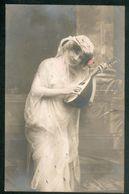 Musique -    1 Jeune Femme Avec Mandoline - Other
