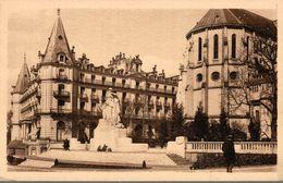 64 PAU  EGLISE SAINT-MARTIN ET HOTEL GASSION - Pau